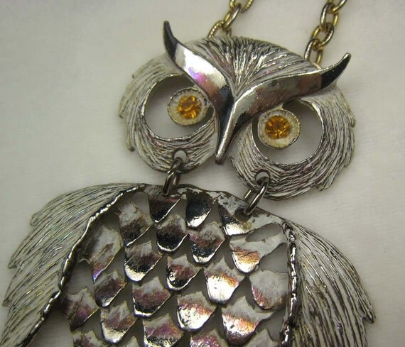 VINTAGE Big White and Silver OWL Necklace