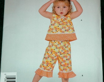 Simplicity 5026 Sz 1/2 1 2 3 4 Toddlers Top and Capri Pants UNCUT