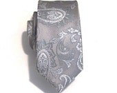 Mens Necktie Gray Paisley Skinny Silk Tie