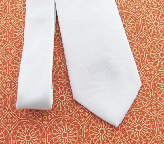 Mens Necktie Ivory Flower Silk Tie