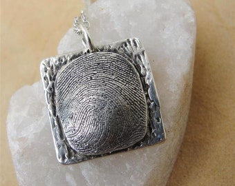 Custom Fingerprint Necklace (3)