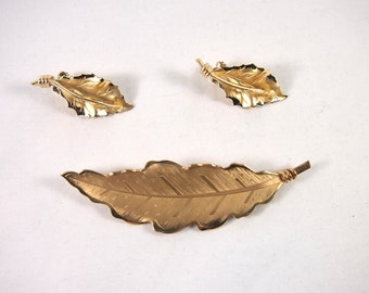 Vintage 50s 60s Pegasus Coro Brooch Earring Set Brooch Jewelry