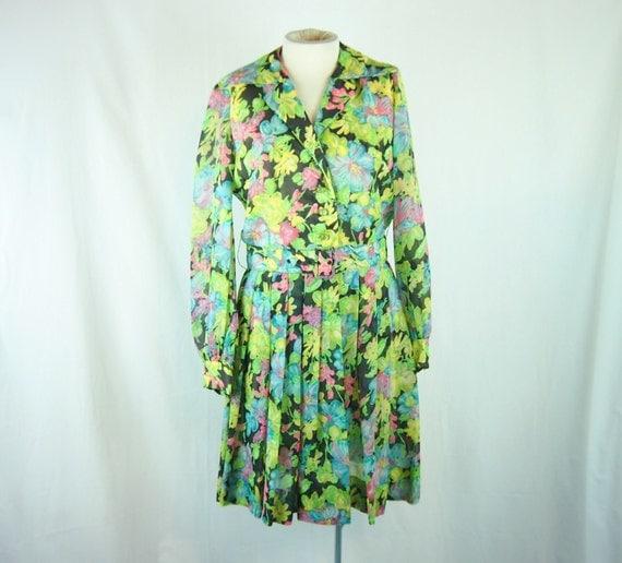 Vintage 60s Sheer Nylon Floral Print Short Shirt Dress Clothing Leslie Fay