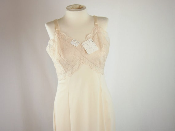 Vintage 50s 60s Wonder Maid Molded Magic Slip Lingerie Dress Clothing