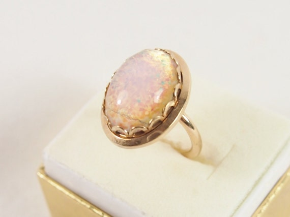Opal Glass Sarah Coventry Ring Vintage Jewelry Sz 4.5