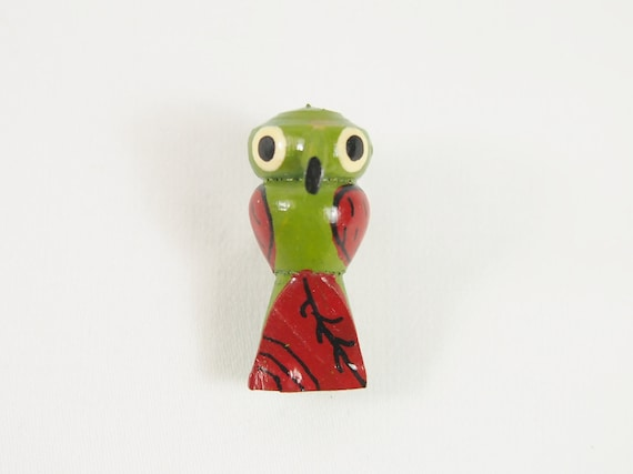 Tiny Painted Parrot 40s Wood Brooch Vintage Jewelry