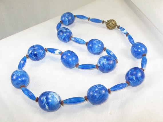 Vintage Bright Blue Marble Thermoset 60s Plastic Bead necklace