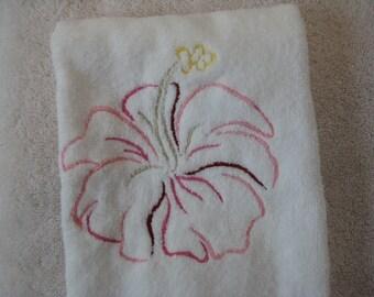 Fingertip Towel with Hibiscus