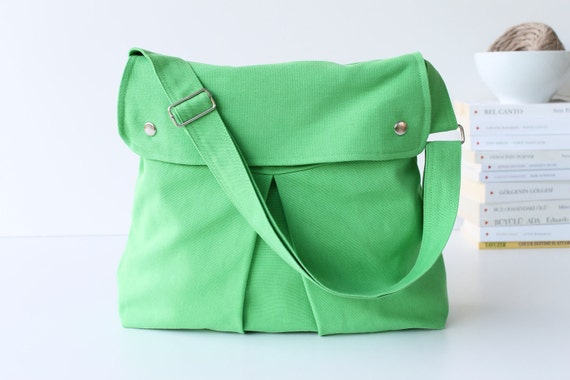LAST ONE - Modular Messenger Bag in Apple Green / Shoulder Bag / Laptop Bag / Diaper Bag / Travel Bag / flap / long strap / chartreuse