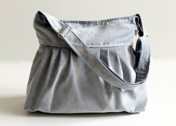 Cross body bag / Ice Blue Corduroy Pleated Bag / Zipper Closure / Lots of Pockets / Messenger Bag / Shoulder Bag / Snow White / Large / Gift