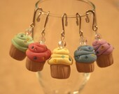 Cupcake stitch markers