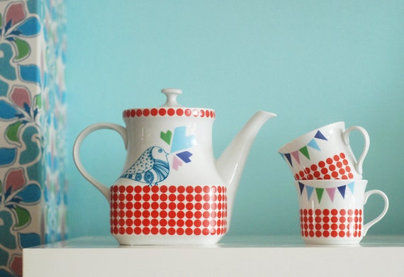 CUSTOM LISTING For Anabela: Dots, birds and bunting teapot