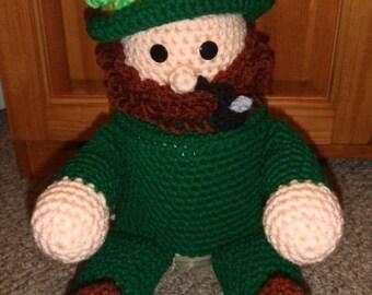 Crochet Pattern - CV032 St Patricks Day Leprechaun TP Topper - PDF Download
