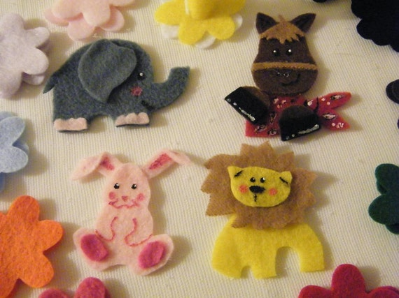 Animal Felt Toy Cake that your child can decorate