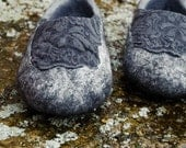 Felted women slippers, Natural wool felted slippers, Flat lace shoes, Flat lace slippers, Handmade design valenki, Charcoal grey, Dark grey