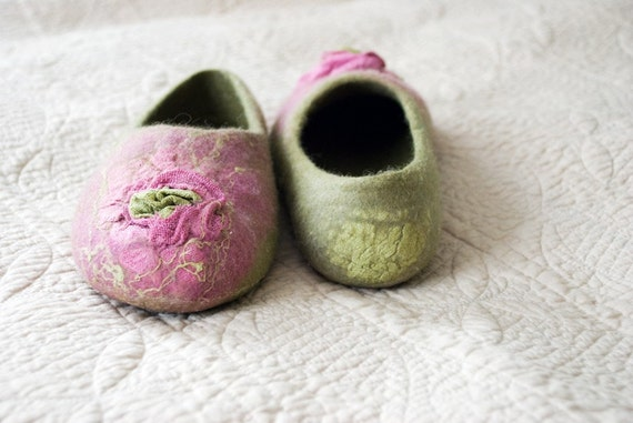 Women home shoes natural wool slippers with flowers SYRINGA Purple Green shoes Handmade design house shoes