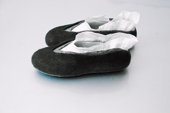Felted wool slippers Black Gray White slippers Natural wool house shoes