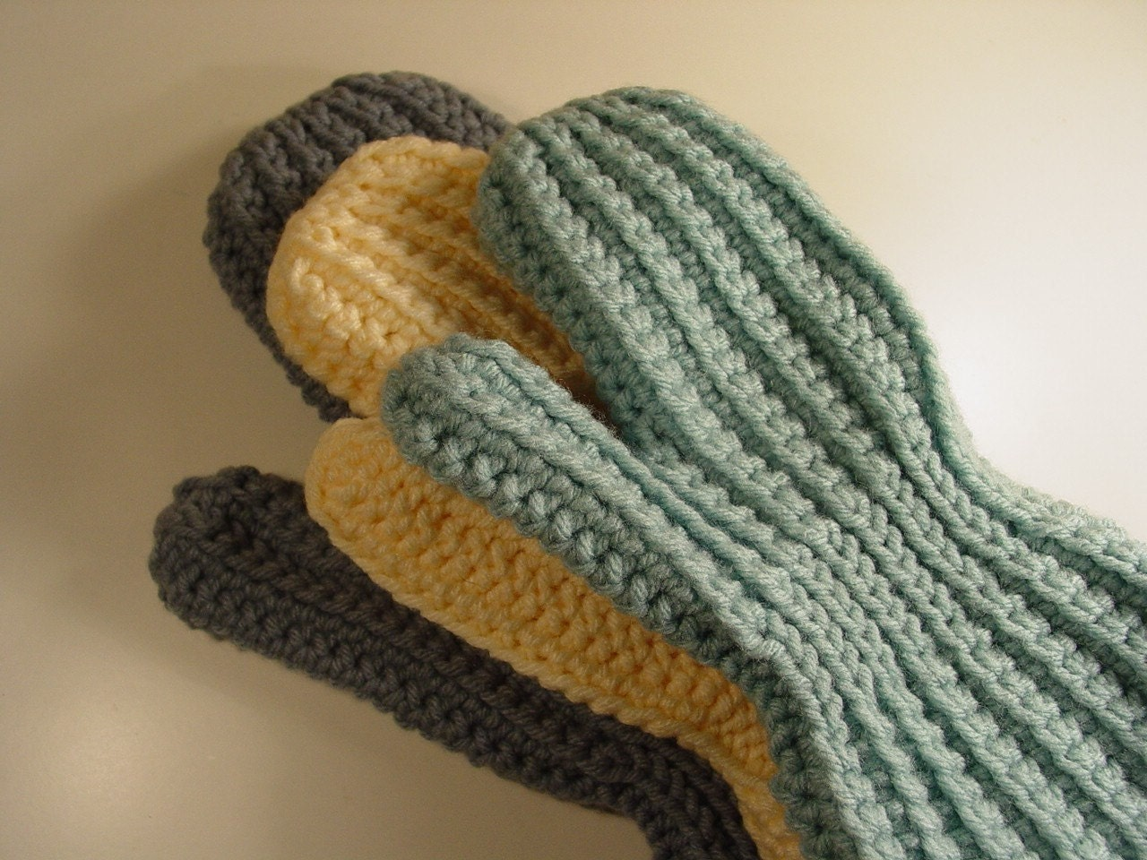 Crochet Mitten Pattern Beginners : Easy Sideways Crochet Mittens Pattern pdf by madcowdog on Etsy