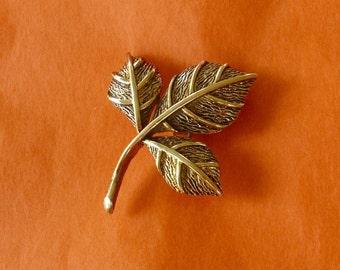 Vintage Foliage Pin Brooch