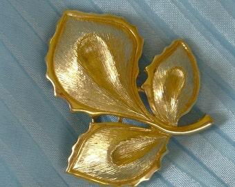 Vintage Signed Monet Leaf Brooch