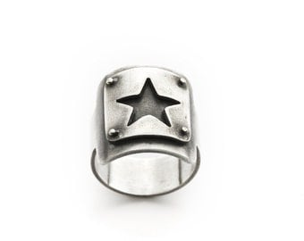Starlet Ring size 6, ONLY ONE