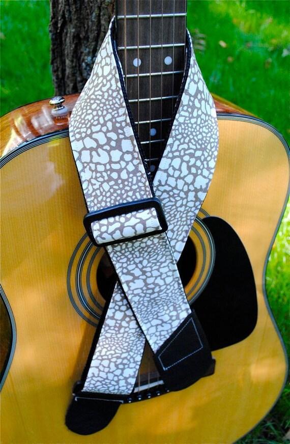 Adjustable Acoustic Guitar Strap - Subtle Safari - Eclectic Giraffe