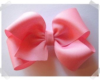 Medium Basic Grosgrain Hair Bow in Pink