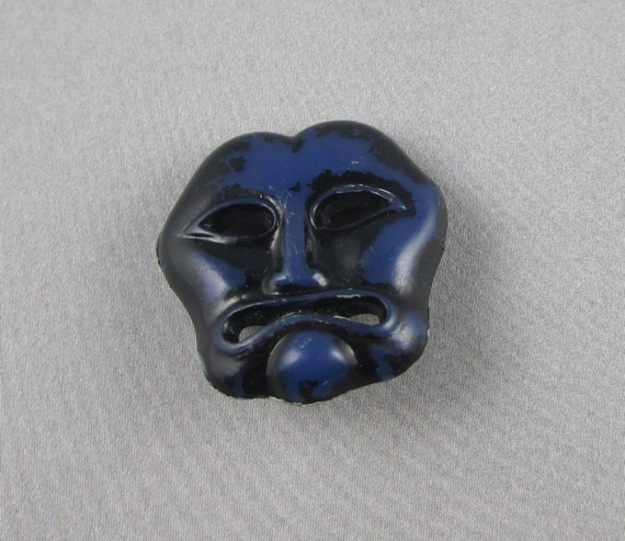Vintage Plastic Button - Drama Theater Mask - Realistic Goofy