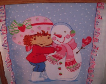 Strawberry Shortcake with Snowman NoSew Fleece Blanket