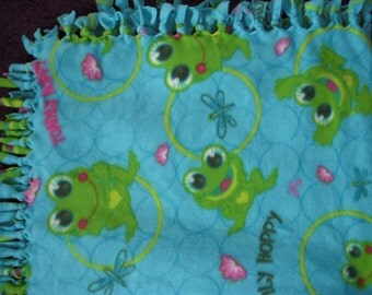 Frog NoSew Fleece Blanket