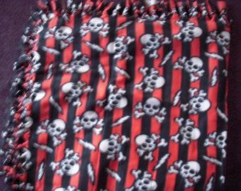 Skulls and Crossbones NoSew Fleece Blanket