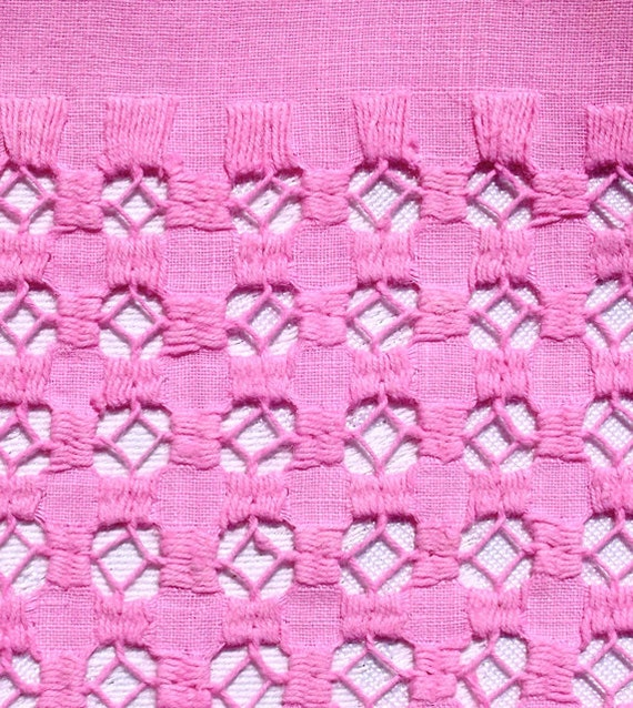 Vintage Embroidered Pink Topper Tablecloth Needlecraft