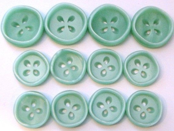 12 Seafoam Green Pearlescent Buttons