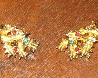 Vintage MYLU Gold Tone Holly Leaves Christmas Clip Earrings