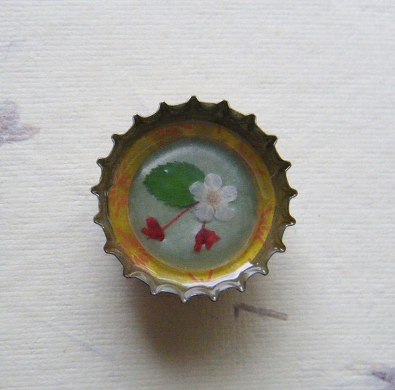 Flower Button Magnet Upcycled Bottlecap Spring Kitchen