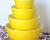 Vintage Sunshine Yellow Pyrex Bowl Complete Set