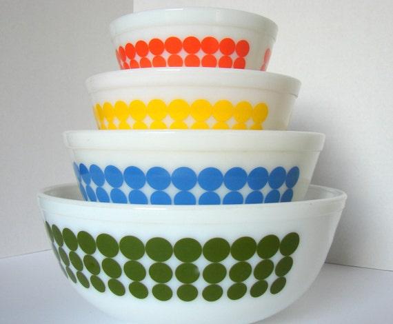 Vintage Pyrex New Dot Polka Dot Mixing Bowls