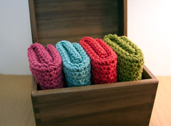 Kitschy Retro Kitchen Natural Cotton Crocheted Dishcloths Set of 4 -- Free Gift Wrap Avilable