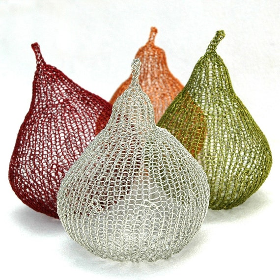 Provence style metal wire Pears
