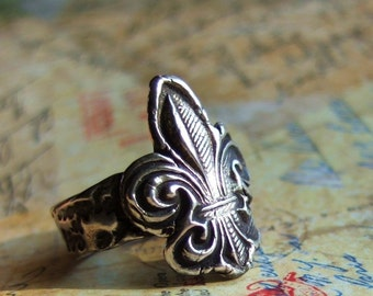 Rustic Fleur-de-Lis Hand Stamped Fine Silver Ring, With Love From Paris, French Jewelry, Custom Sizes 4 5 6 7 8 9 10 11 12 13 14 15