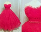 1950's Cherry RED Ruffled Tiered Organza Strapless Formal Dress Vintage 50's Couture Velvet Lace Wedding Prom Cocktail Party Dress