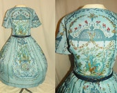 1950's Blue VICTORIAN SCENE Novelty Print Cotton Day Dress Vintage 50's Romantic Scenic French Toile Roses Couture Wedding Party Dress LG