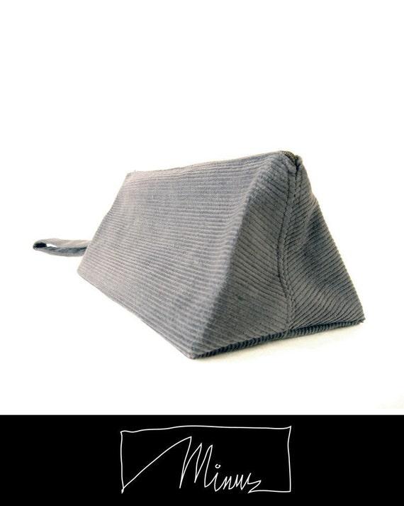 Toblerone pouch in steel