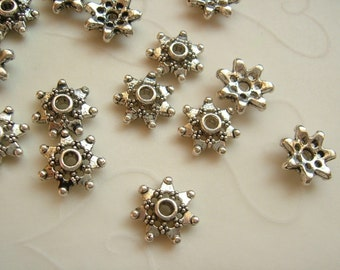 24 pieces of Snow Flake Bead Cap in Antique silver OR Antique Gold Color-- 8mm (You Pick The Color)