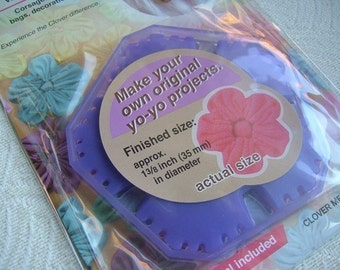 1 Pack of CLOVER Quick Yo-Yo Maker Flower Shaped -- Small Size