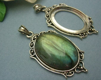 4 pieces of Classic Antique silver plated cabochon pendant settings, fits 25x18 mm oval