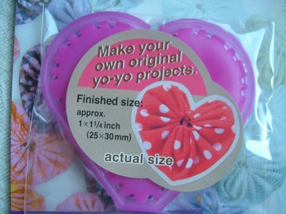1 Pack of CLOVER Quick Yo-Yo Maker Heart Shaped -- Small Size
