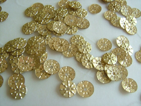 7g of 5 mm Sunny Round Sequins in Gold Color