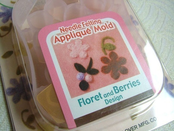 1 piece of CLOVER Needle Felting Applique Mold - Floret and Berries