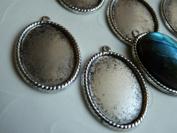 6 pieces of Antique Silver plated Rope Edge Cabochon Pendant Settings, fits 25x18 mm oval, Made in USA